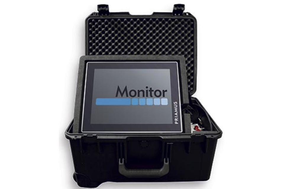 Priamus monitoring system mobile with a carrying case