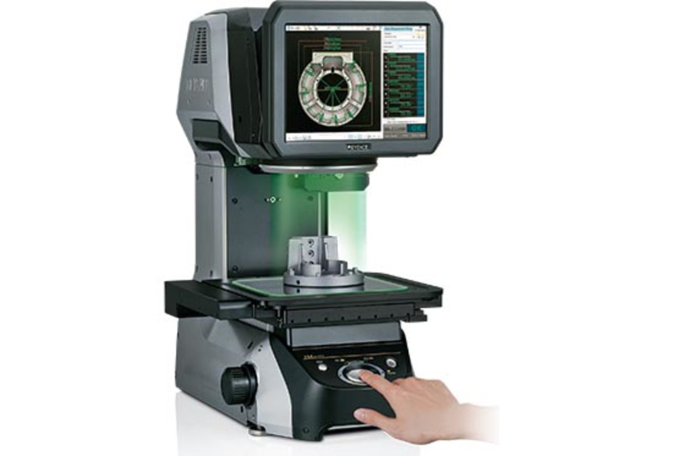 Keyence comparator inspects several parts at once